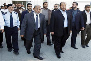 وفد من حماس يتوجه إلى القاهرة اليوم للمشاركة في الحوار الفلسطيني