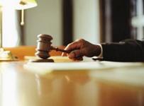 قضاة يستنكرون استبعادهم من المؤتمر القضائي ويطالبون بالاستقلال الكامل ماليا وإداريا