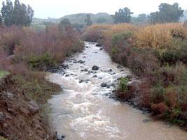 إسرائيل تستنزف مياه نهر الأردن وتحوله إلى مصرف صحي