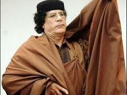 مفاجأة كبرى .. هل تعرف من هو القاتل الحقيقي لمعمر القذافي !!
