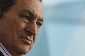 صور صادمة جدا لحسني مبارك بعد زيادة مفرطة في وزنه.. شاهد