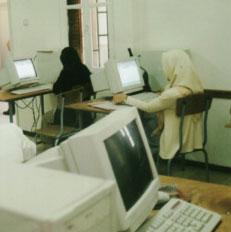 إغلاق 27 مركزا ثقافيا وتوجه لإجبار المدارس الخاصة لتحويل الرواتب للبنوك