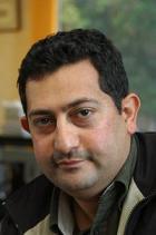 ياسر أبوهلالة.. مصلحة الوطن أعلى وأسمى من المصالح الشخصية