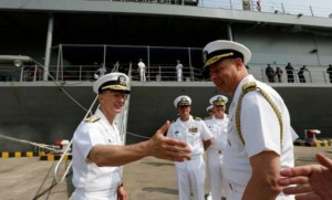 فضيحة رشوة جنسية تهز البحرية الأميركية