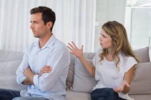 7 عبارات يكره الزوج سماعها من زوجته