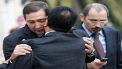 شغب الصالونات على حكومة الرفاعي : مشاحنات واستقالات محتملة وعلاقات متوترة