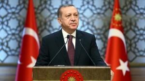 أردوغان يهنئ زعماء الاحزاب بالفوز في الاستفتاء