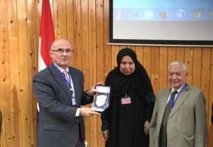 عميد كلية الصيدلة في جامعة عمان الأهلية يشارك في في المؤتمر العلمي الأول لكلية الطب في جامعة أسيوط