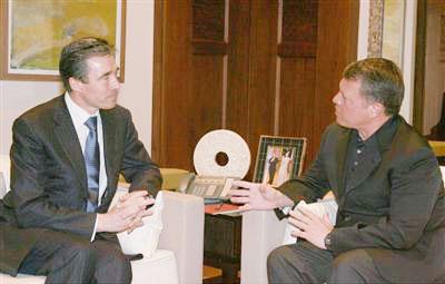 استقبل أمين عام حلف الناتو .. القائد الأعلى يزور القيادة العامة