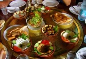 ملعقة من هذا الطعام على السحور ولن تشعر بالإرهاق في رمضان!