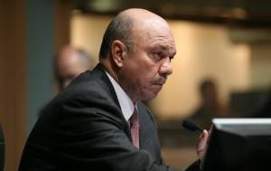 فيصل الفايز : يطلب من الوزراء الاردنيين النزول إلى الشارع