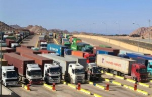 بالتفاصيل ... رفع رسوم عبور الشاحنات الأجنبية بالأردن