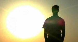 أشعة الشمس تؤثر على بنية الحمض النووي