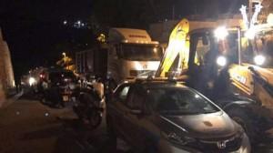 مقدسيون: الاحتلال يبدأ بتفكيك البوابات الإلكترونية