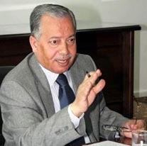 مطالبات لوزير الداخلية بتغيير بطاقة الأحوال المدنية