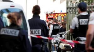 مركبة تدهس جنوداً فرنسيين في ضاحية باريس وسقوط مصابين