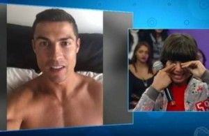 بالفيديو .. رونالدو يفاجئ طفلا يعيل أسرته برسالة مؤثرة!