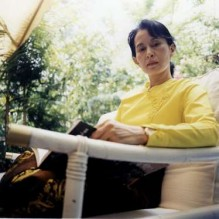من هي زعيمة ميانمار صاحبة القرار باضطهاد الروهينغا؟