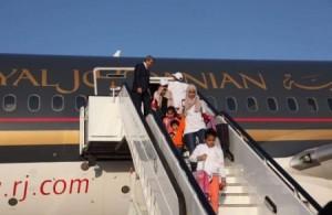 بالصور .. وصول 96 مواطناً أردنياً من جزيرة سان مارتن