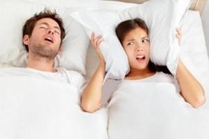 لماذا يتكلم الناس أثناء نومهم؟!
