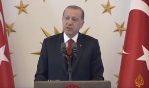 أردوغان للصحفيين:سنتخذ خطوات لأنتاج صواريخ اس-400