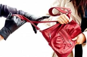 كمين محكم يسفر عن القبض على نشال حقائب في العاصمة عمان