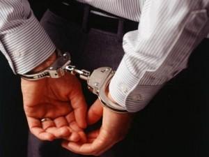 القبض على 8 اشخاص يبحثون عن دفائن