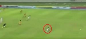 بالفيديو: سرعة خارقة للاعب إندونيسي تثمر هدفاً رائعاً