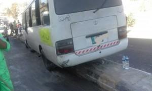 ثلاثة اصابات بتصادم باص 'كوستر' وسرفيس في عمان....بالصور