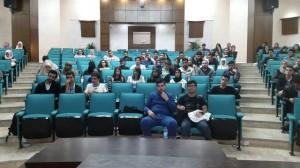 صيدلة عمان الأهلية تجتمع مع طلبتها المستجدين