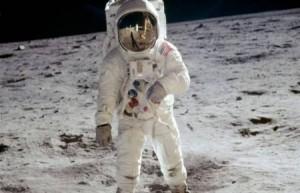 أدلة جديدة: هبوط الأميركيين على القمر أكذوبة العصر!