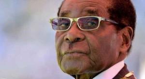 أقدم رؤساء العالم يرضخ للجيش .. موغابي يوافق على الاستقالة من رئاسة زيمبابوي ويوجه كلمته الأخيرة للشعب