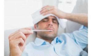لهذه الأسباب يعاني الرجل أكثر من المرأة عند الإصابة بالبرد