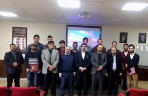 عميد كلية تقنية المعلومات في جامعة عمان الأهلية يكرم الطلبة المتفوقين للعام الجامعي 2016-2017