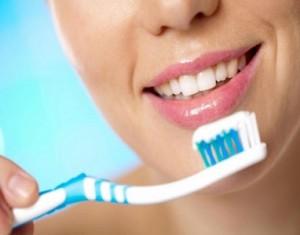 نظّفوا أسنانكم...وامنعوا سرطانات الفم والرأس والرقبة!