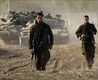 الشاباك الصهيوني يأمر عملائه بمضاعفة الجهود للوصول لشاليط