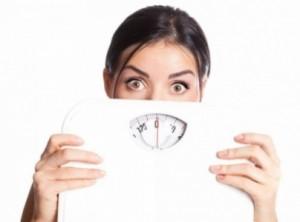 هل يزداد وزنك بين ليلة وضحاها؟ إليك السبب وهكذا تتخلصين منه