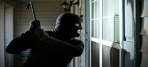 اقتحام وسرقة شقة سيدة تحت تهديد السلاح بمنطقة الرابية في عمان
