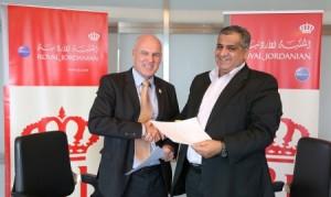 الملكية الأردنية ونقابة النقل الجوي توقعان عقد عمل جماعي يتيح لموظفي الشركة حرية التسريح الإختياري