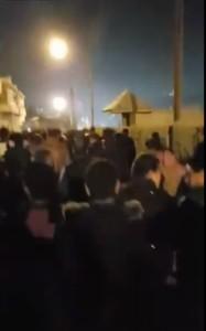 مسيرة ليلية في حي الطفايلة احتجاجا على سياسة الحكومة