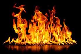 ثلاثيني يحرق نفسه أمام مبنى محافظة الكرك