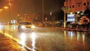 أمطار غزيرة وتحذيرات من السيول