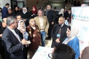 وزير الطاقة يفتتح معرضا للمشاريع الريادية في جامعة عمان العربية