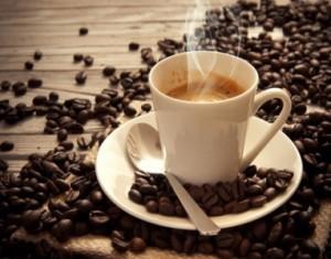 توقفوا عن تناول القهوة على معدة خاوية...فالأضرار عديدة!