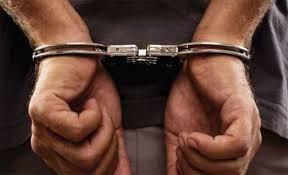 بعد كمين ناجح... البحث الجنائي يلقي القبض على مطلوب مصنف بالخطير وبحقه 44 طلب بقضايا السرقات