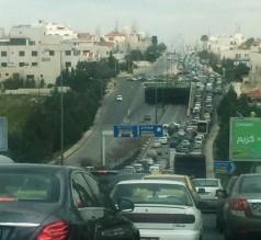 أزمات مرورية خانقة في شوارع عمّان