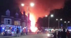 انفجار ضخم في محل تجاري في ليستر بإنجلترا