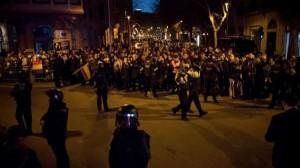19 جريحا في احتجاجات على زيارة ملك إسبانيا لبرشلونة