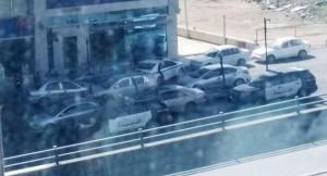 اسباب التواجد الامني امام بنك في شارع مكة
