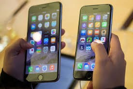 بالوثقيقة...الحكومة تفرض 30 % رسوم جمركية على شاشات الهواتف